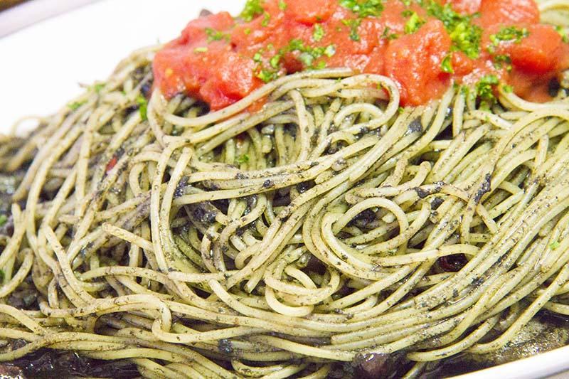 イカのスパゲティ イカ墨のソース